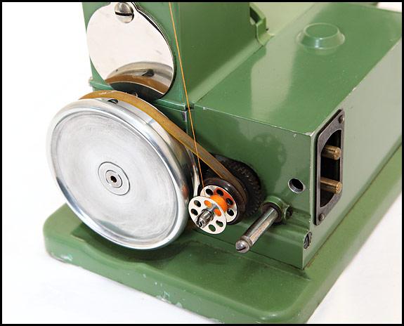 Bobbin winding on Elna Grasshopper sewing machine