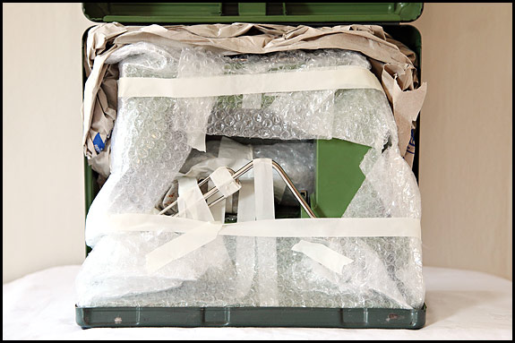 Picture showing How to pack an Elna #1 for shipping